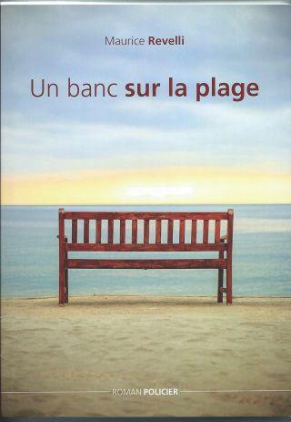 Un banc sur la plage